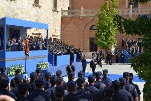 ALCALDE DÍa de la Policía Acto Píncipe de Asturias Entrega Guión comisario Plano largo